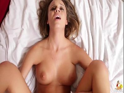 POV Porn com a namorada bem safada e gostosa com seios lindos