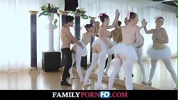 Belas mulheres fazendo sexo com o professor de bale