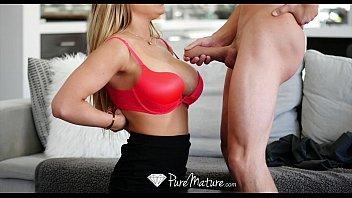 Loira dando o seu cu em um videos eróticos