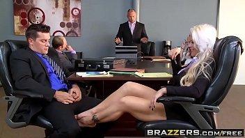 Sexo quente tv de rapaz comendo a secretaria loira
