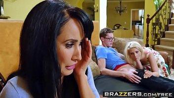 Video porno boa foda de rapaz comendo a namorada e sogra