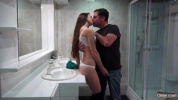 Vidios pornos de velho casado comendo a novinha puta