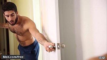 Video sexo gay com peludo ativo tomando cacete