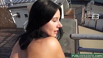Vídio porno com a casada dando pro segurança