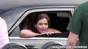 Porno no carro safada dando com imenso prazer