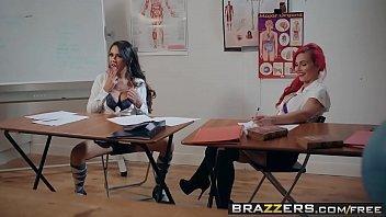 Pornobrasileiro aluna safada trepando com o professor