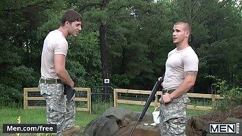 Sexo gays safados soldados transando