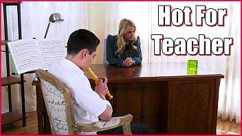 Xvideos professora safada dando para o seu aluno