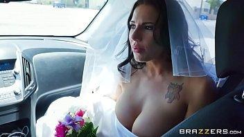 Casada na putaria dando para o padrinho de casamento