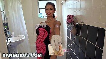 Xvideo empregada novinha dando pelada para o patrão