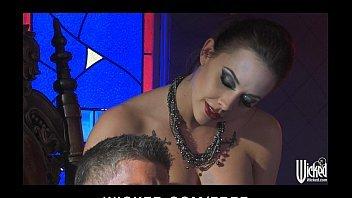 Morena malvada dando a sua xoxota com muito prazer