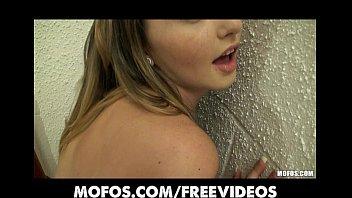 Novinha gostosa dando pelada para o comedor