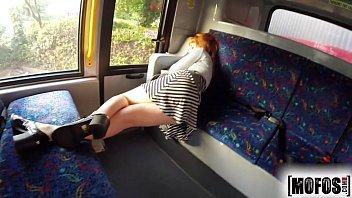 Sexo no ônibus safada dando demais para esse comedor