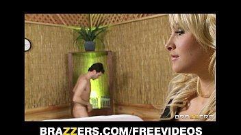 Sexolandia loira safada fodendo pelada na banheira com namorado