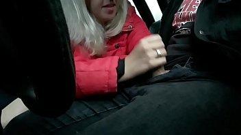 Boquete amador com essa mulher safada mamando o uber