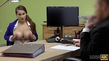 Buceta meladinha gostosa da secretaria que leva ferro de jeito