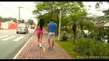 Travesti brasileira safadinha ficou pelada e deu a sua bunda gostosa