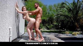 Uma jovem bem boa dando no vídeo de sexos