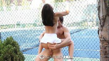 Filmes sexo gratis comendo safada na quadra de tenis