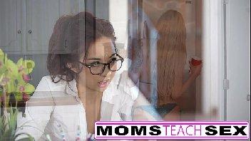 Professora safada metendo com o seu aluno tarado