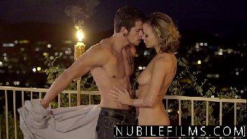Porno romance com esse casal fazendo um amor gostoso