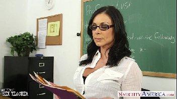 Professora madura tesuda fodendo demais