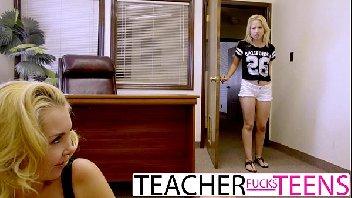 sexo com mae ensinando a sua filha a transar gostoso