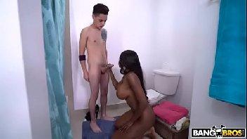 Negra sexy safada transando gostoso com o novinho