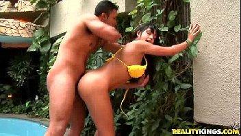 Morena brasileira metendo empinada como homem safado