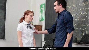 Professor safado comendo a sua aluna puta