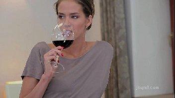 Depois de um bom vinho rolou uma bela transada deliciosa