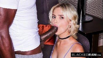 Câmera hot loira no hotel fodendo depois de curtir na roda gigante com o cara do tinder